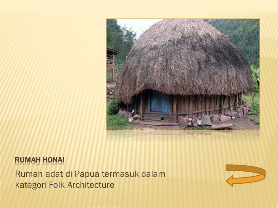 Reethaus tradisional dengan atap jerami di Rugia Island, Jerman.