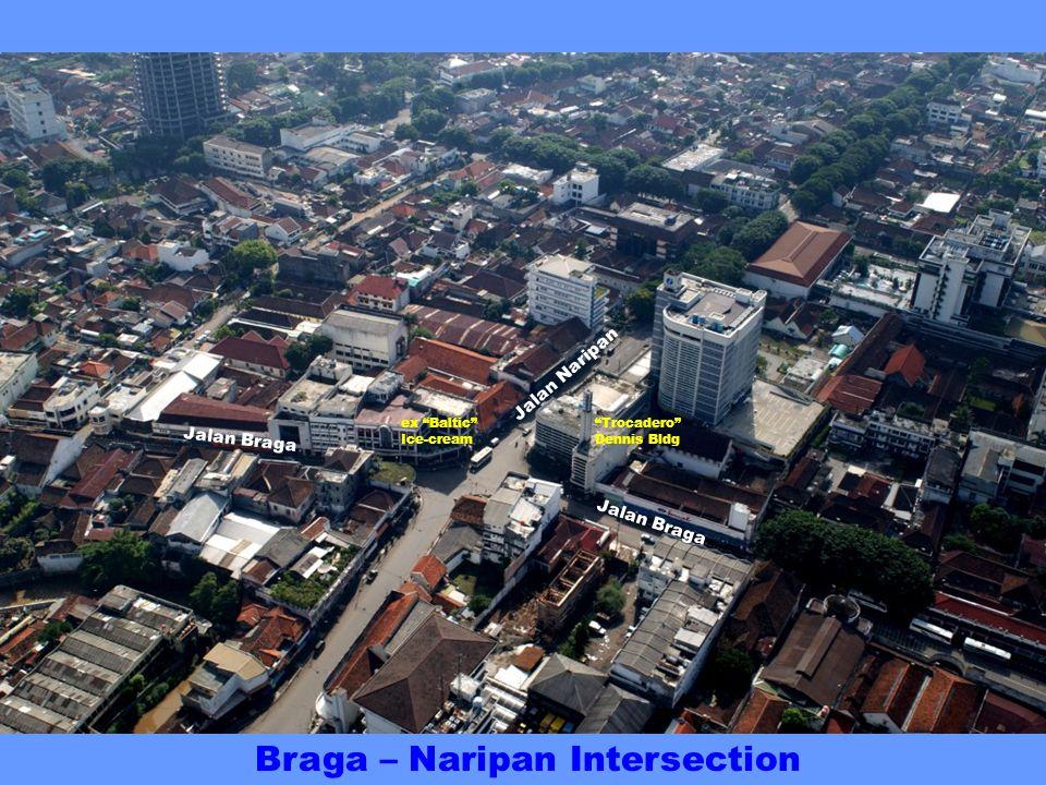 Jalan Braga St Petrus Cathedral Jalan Lembong BRAGADEREN at the famous Jalan Braga