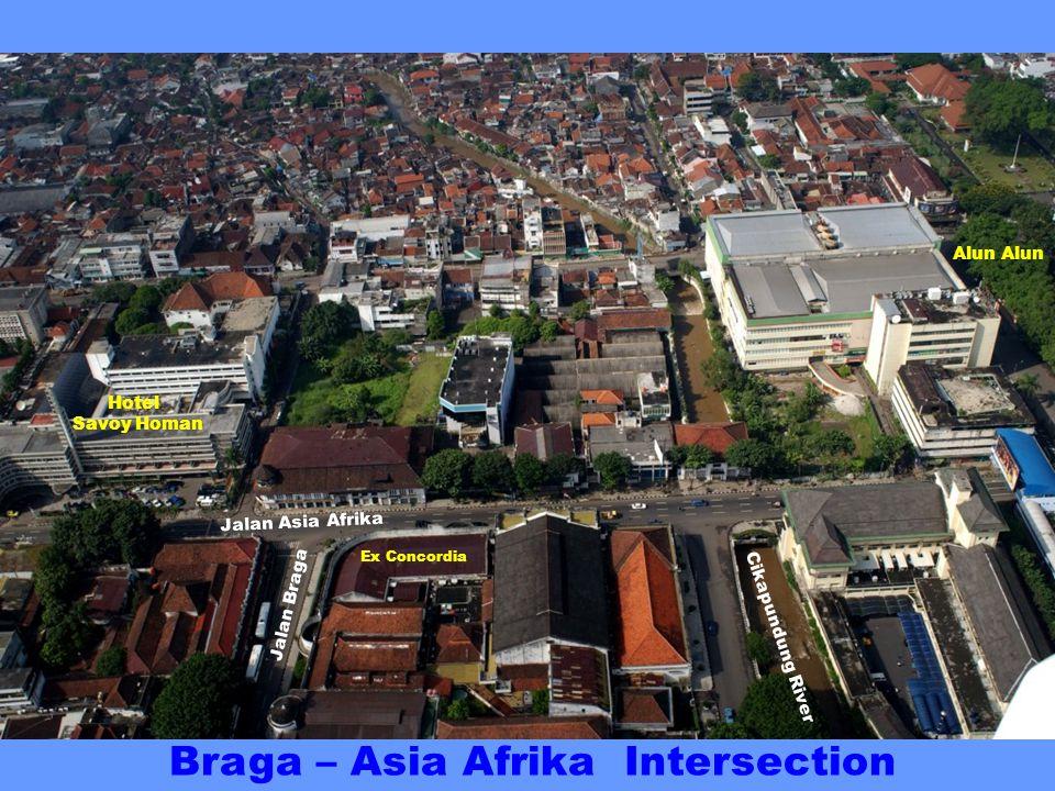 Jalan Asia Afrika (formerly Grote Postweg) Jalan Braga Trocadero Dennis Bldg Hotel Savoy Homan Hotel Preanger Ex Concordia Braga – Asia-Afrika Intersection ex Baltic Ice-cream