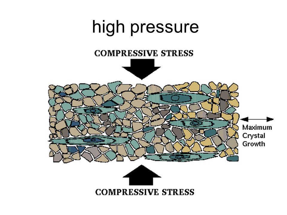 Calcic Metamorphic Rock adalah batuan metamorf yang berasal dari batuan yang bersifat kalsik (kaya unsur Al), umumnya terdiri atas batulempung dan serpih.