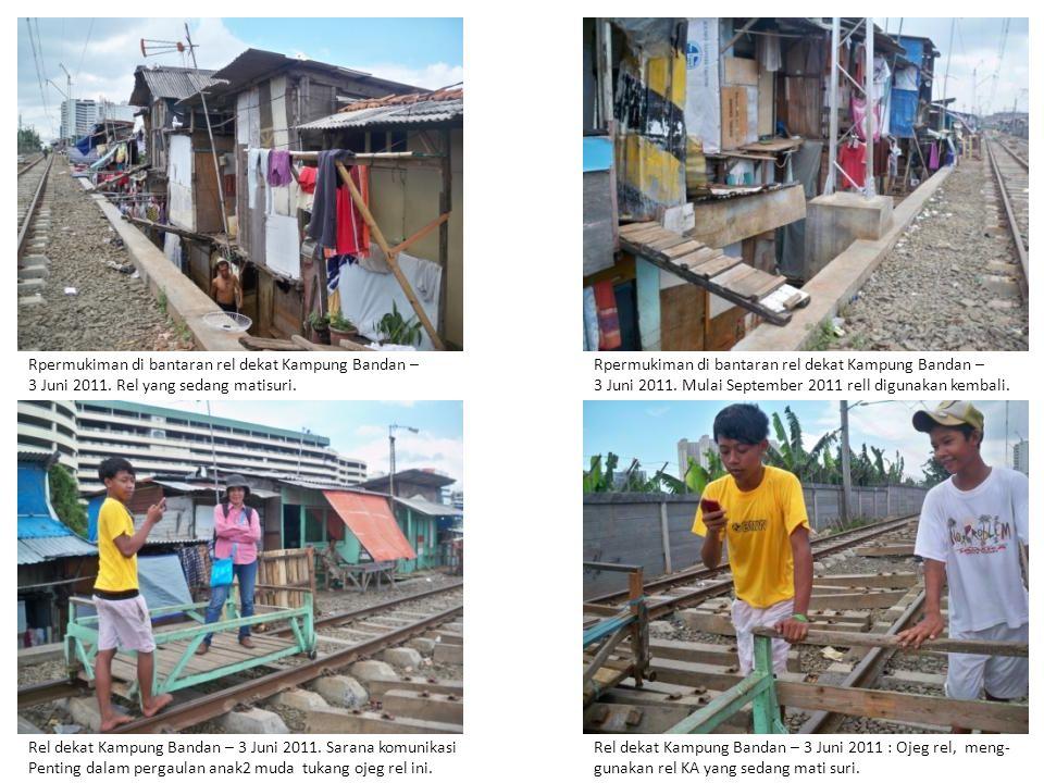Rel dekat Kampung Bandan – 3 Juni 2011.