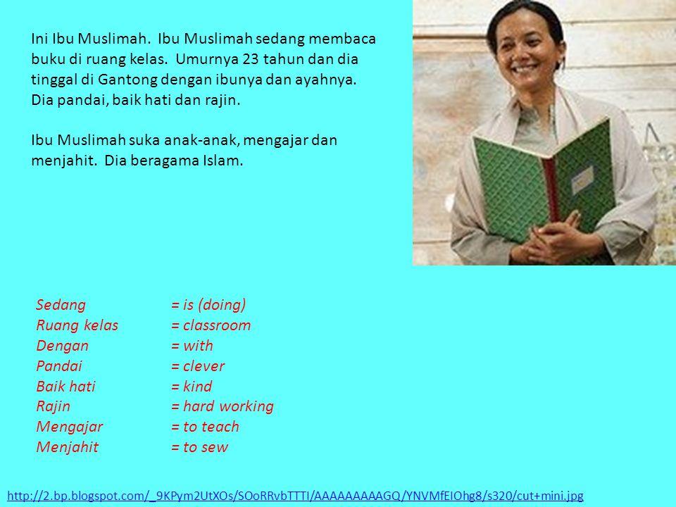 http://2.bp.blogspot.com/_9KPym2UtXOs/SOoRRvbTTTI/AAAAAAAAAGQ/YNVMfEIOhg8/s320/cut+mini.jpg Ini Ibu Muslimah. Ibu Muslimah sedang membaca buku di ruan
