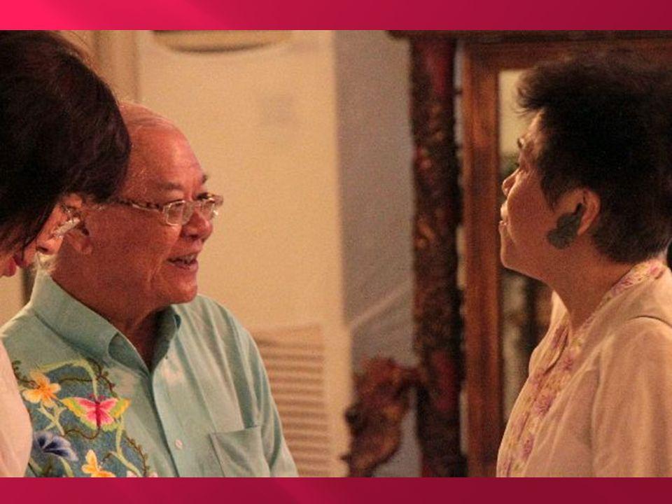 Lahirnya Asosiasi Peranakan Tionghoa Indonesia 24 December 2011 6:16 PM Saya kebetulan mendapat kesempatan ikut diundang dalam acara peresmian berdirinya satu organisasi baru yang bernama Asosiasi Peranakan Tionghoa Indonesia (ASPERTINA).