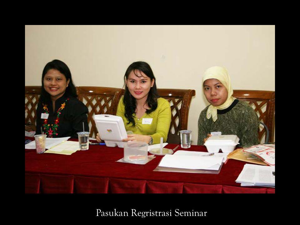Pasukan Regristrasi Seminar
