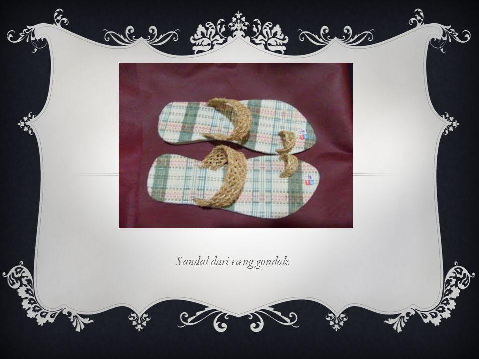 Sandal dari eceng gondok