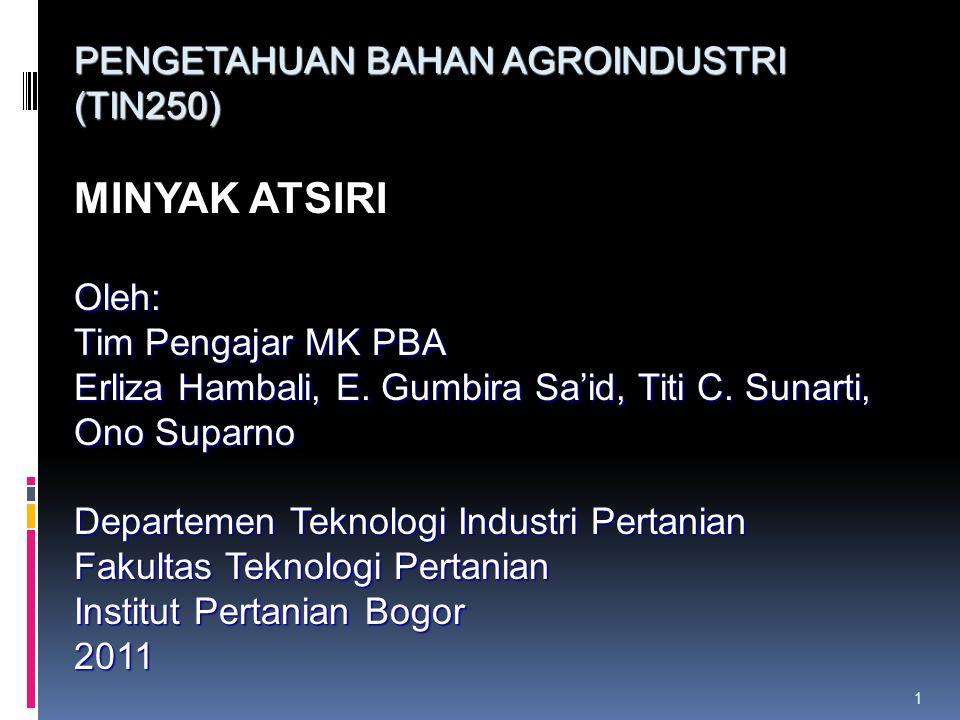 Standar minyak kayu putih yang berlaku di Indonesia adalah SNI 06-5009.11-2001 Klasifikasi mutu minyak : 1.Mutu Utama 2.Mutu Pertama Perbedaan pada persyaratan kadar sineolnya Mutu Minyak Kayu Putih Dipengaruhi Oleh : 1.Cara penyimpanan daun 2.Cara penyajian daun 3.Cara pengisian daun ke ketel 4.Kondisi penyulingan 5.Jenis atau varietas pohon
