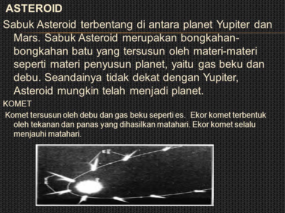 Saturnus memiliki 18 satelit. URANUS Uranus membutuhkan pengamatan yang seksama, sebab sumbu putarnya sebidang dengan bidang edarnya mengelilingi mata