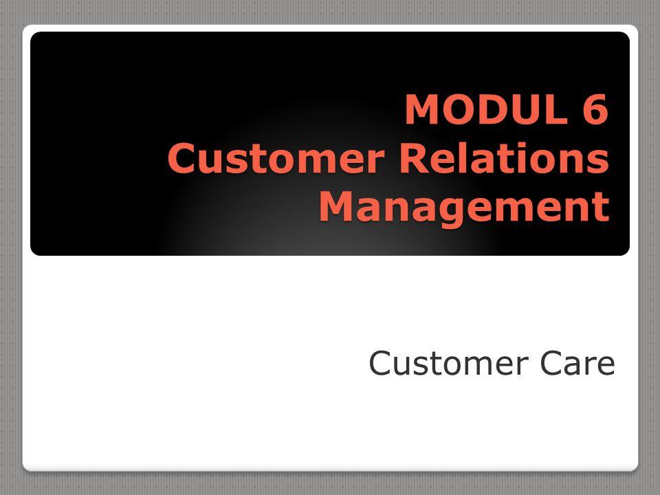  Merupakan Filosofi bisnis dan serangkaian strategi, program serta sistem yang memperhatikan identifikasi dan memebangun kesetiaan pelanggan  Fokus customer relationship management adalah mendapatkan dan mempertahankan pelanggan.