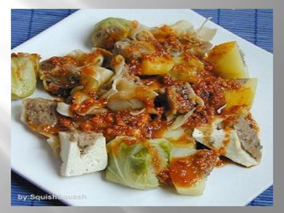 Siomay jamur tiram dengan saus pasta ikan plus telur asin