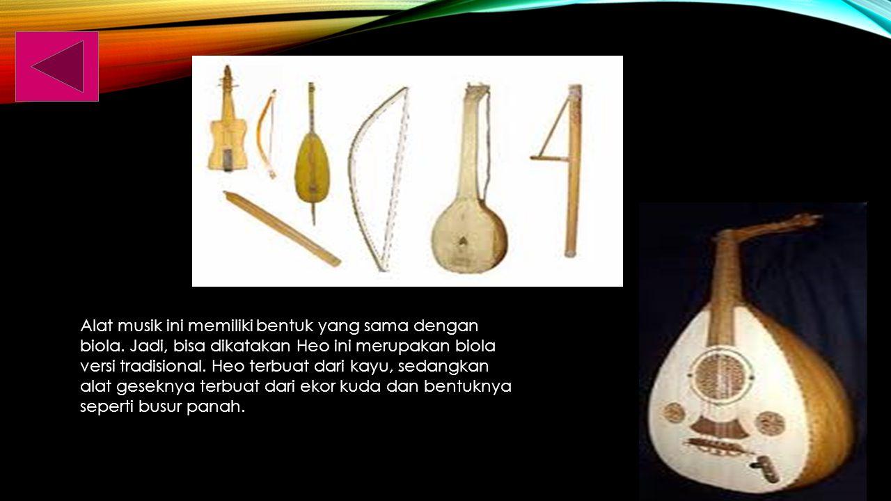 Sasando adalah sebuah alat instrumen petik musik.