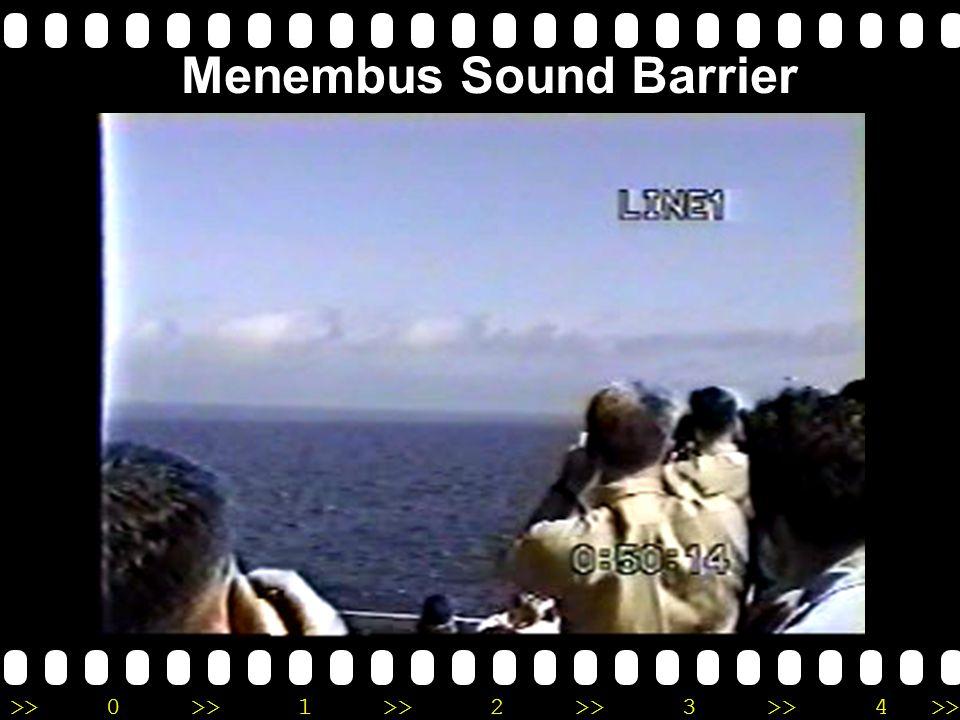 >>0 >>1 >> 2 >> 3 >> 4 >> Menembus Sound Barrier F-18 – tepat saat mencapai supersonik