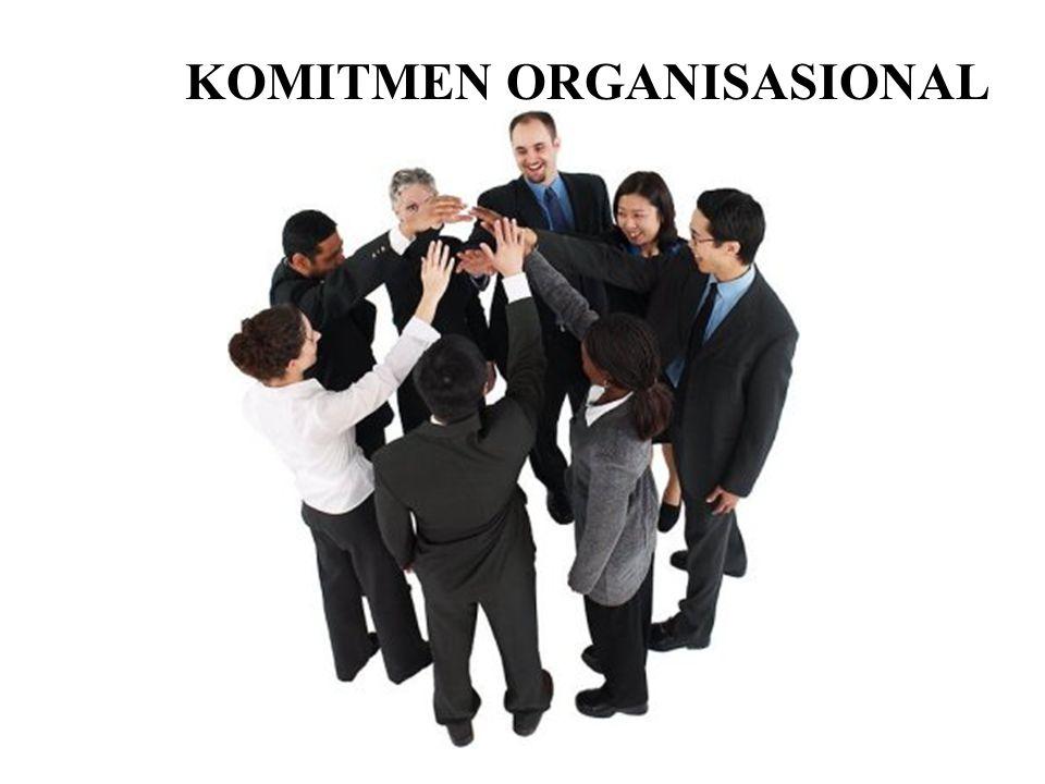 PENGERTIAN KOMITMEN ORGANISASIONAL Dari beberapa definisi dapat disimpulkan bahwa komitmen organisasional adalah Suatu ikatan psikologis karyawan pada organisasi yang ditandai dengan adanya : Kepercayaan dan penerimaan yang kuat atas tujuan dan nilai-nilai organisasi, Kemauan untuk mengusahakan tercapainya kepentingan organisasi, dan Keinginan yang kuat untuk mempertahankan kedudukan sebagai anggota organisasi.