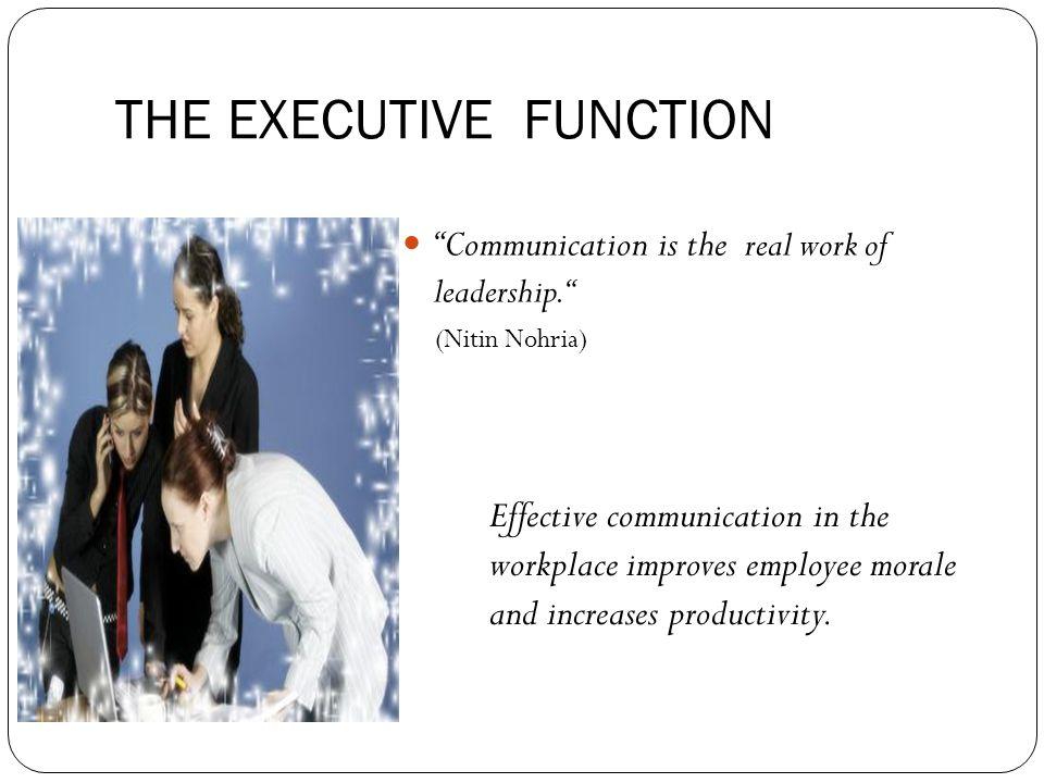 TEAMWORK DYNAMIC Definisi: Timkerja Melakukan pekerjaan bersama mencapai sesuatu melebihi kemampuan-kemampuan individual bekerja sendiri Dinamika tim adalah bagaimana anggota tim berinteraksi (human relation), mempengaruhi performance individu dan perilaku tim