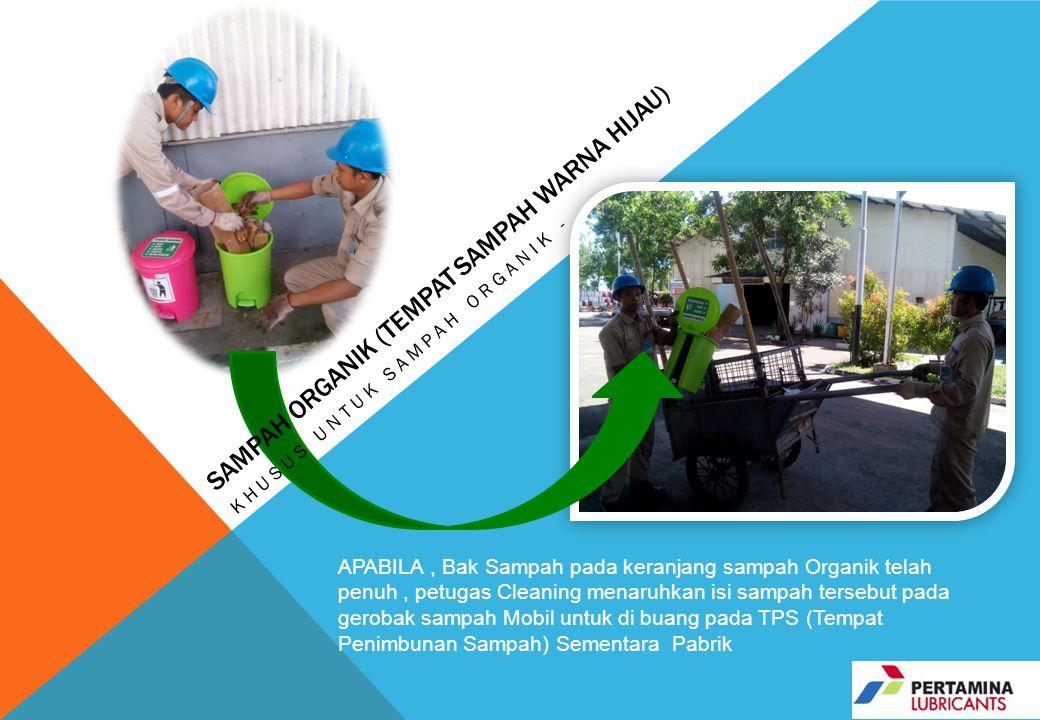 APABILA, Bak Sampah pada keranjang sampah Organik telah penuh, petugas Cleaning menaruhkan isi sampah tersebut pada gerobak sampah Mobil untuk di buan