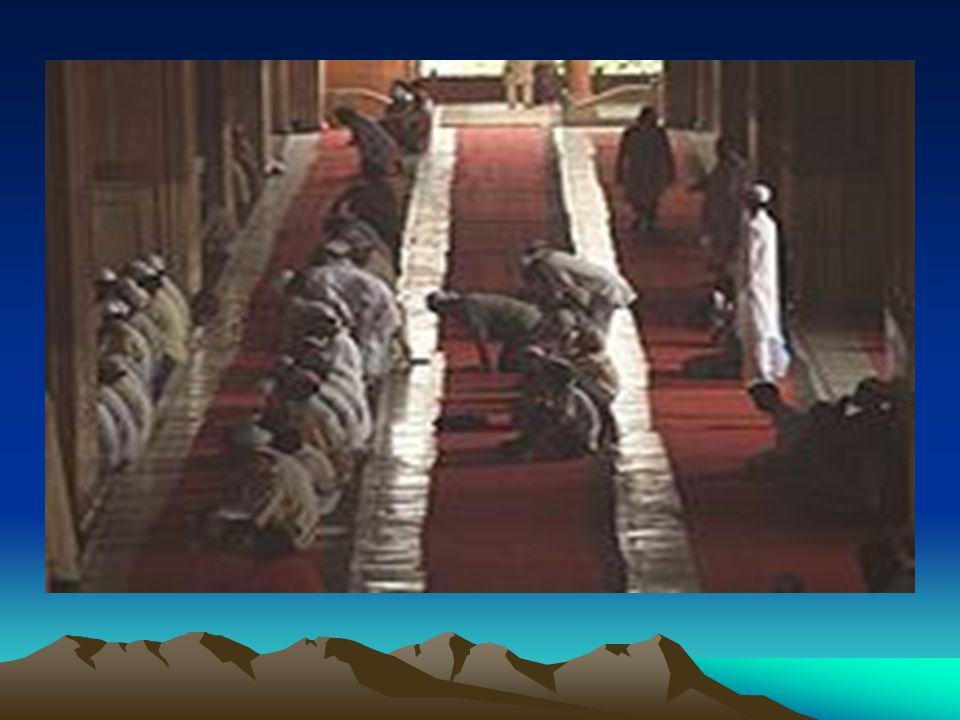 NORMA AGAMA Norma Agama : Ialah peraturan hidup yang harus diterima manusia sebagai perintah-perintah, laranganlarangan dan ajaran-ajaran yang bersumb