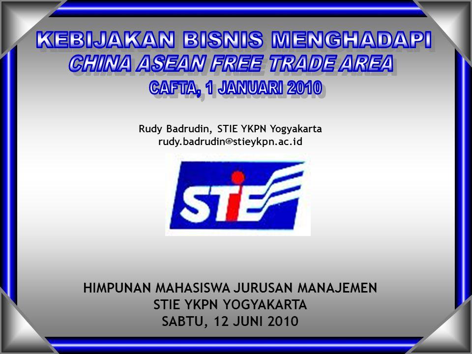 22 Manfaat FTA dengan RRC: akses untuk produk Indonesia di pasar RRC peningkatan investasi dan Indonesia sebagai basis pro- duksi (impor bahan baku dan barang modal naik dari 83,7% dari seluruh impor pada tahun 2000 menjadi 91% pada tahun 2008) Masalah dan Solusi: Sejumlah sektor khawatir menghadapi dampak negatif FTA (3% dari total tariff line) sehingga pemerintah dan bisnis membentuk Tim Bersama untuk mengkoordinasikan lang- kah-langkah secara komprehensif meningkatkan daya saing dan membicarakan ulang pelaksanaan CAFTA untuk bebe- rapa sektor tersebut.