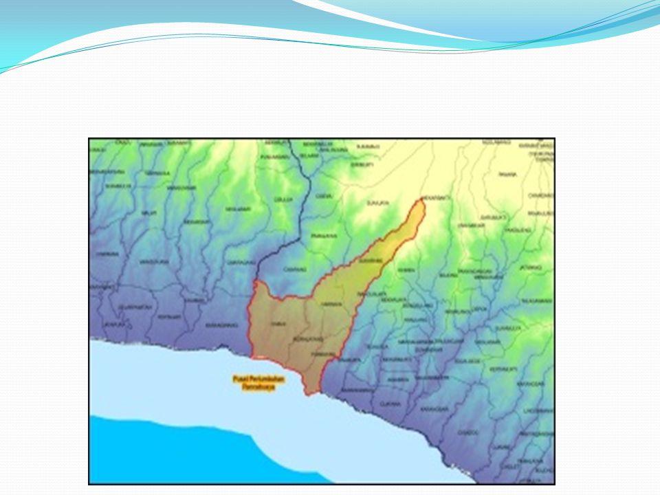 Daya Tarik & Fasilitas Pantai Rancabuaya adanya air terjun atau curug yang menghadap ke pantai, juga bisa melihat ikan kecil yang berada di sela-sela karang.
