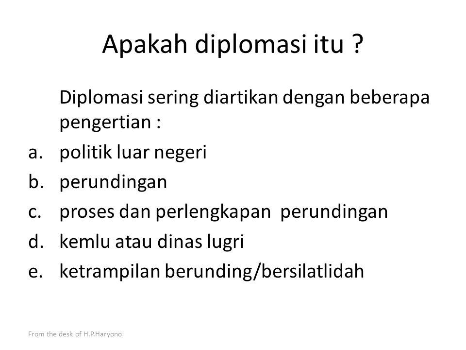 From the desk of H.P.Haryono Pendahuluan Berbeda dengan profesi lain seperti Hakim, Jaksa, Advokat, Arbiter, Mediator, Notaris atau Konsultan Hukum Pa