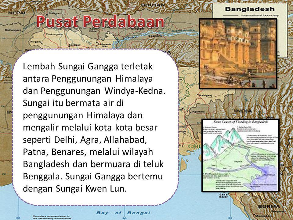 Lembah Sungai Gangga terletak antara Penggunungan Himalaya dan Penggunungan Windya-Kedna. Sungai itu bermata air di penggunungan Himalaya dan mengalir