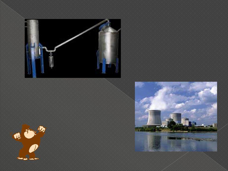 Prinsip Kerja Penangkal Petir Saat muatan listrik negatif di bagian bawah awan sudah tercukupi, maka muatan listrik positif di tanah akan segera tertarik.