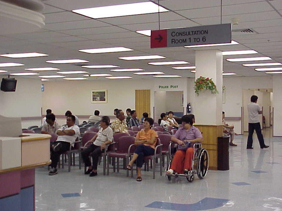Prioritas 3 - Kasus ringan Minor injuries Seluruh kasus - kasus ambulant / jalan Triage44