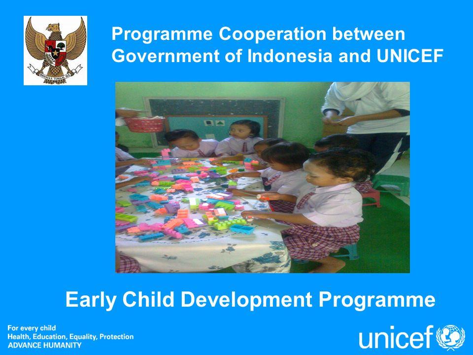 2 Annual Review 2007: Education Programme 4 December 2007 1.Berdasarkan konvensi hak-hak anak yang disahkan oleh PBB tahun 1989 menyatakan bahwa: - Setiap anak berhak mendapatkan pelayanan kesehatan, gizi, pakaian dan tempat tinggal yang layak (pasal 26) - Setiap anak usia 18 tahun berhak mendapatkan pendidikan (Pasal 28) 2.Berdasarkan Assessment dekade menengah Pendidikan Untuk Semua (PUS), pemerintah Indonesia berkomitmen untuk menargetkan pada akhir tahun 2015, ada sekitar 75% anak usia dini menerima akses terhadap pengembangan anak usia dini.