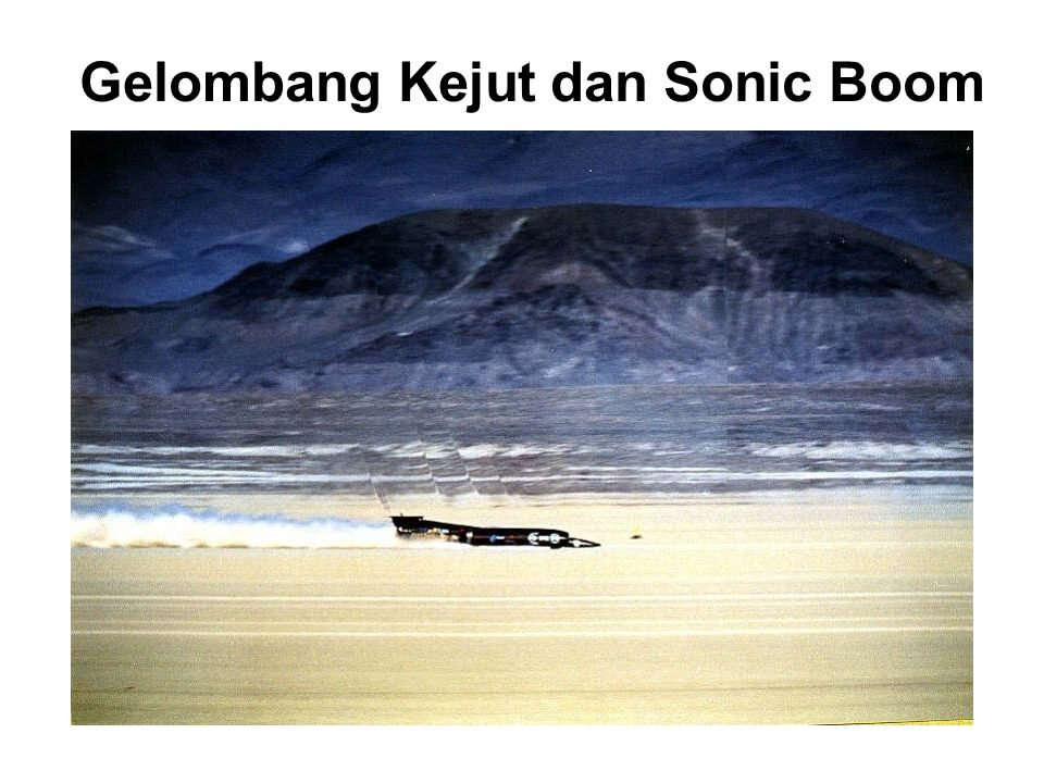 Gelombang Kejut Sonic Boom: T-38 Talon twin-engine, high-altitude, supersonic jet trainer