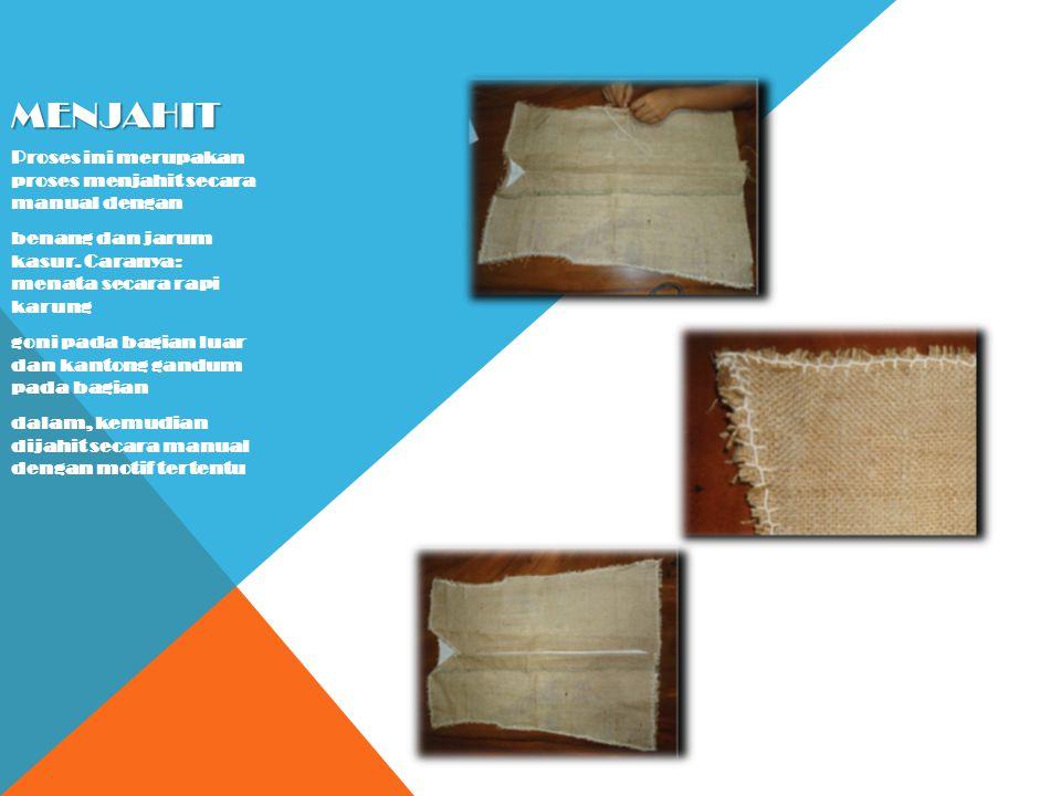 MEMASAN G KANCING BAJU Proses memasang kancing baju dilakukan secara manual, dengan memanfaatkan kancing baju dari bahan alami batok kelapa yang dibentuk seperti kancing baju.