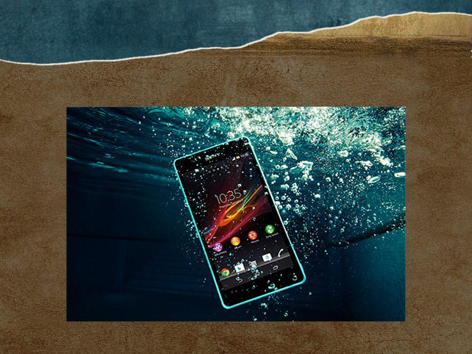 Smartphone dengan kecanggihan waterproof atau anti-air sedang menjadi trend saat ini.