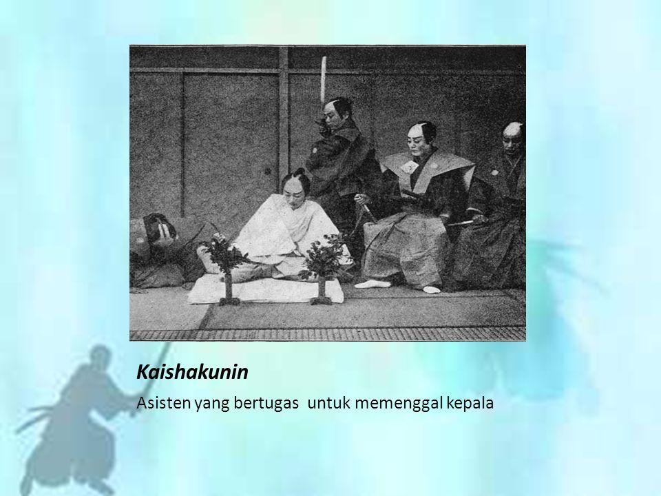 Kaishakunin Asisten yang bertugas untuk memenggal kepala