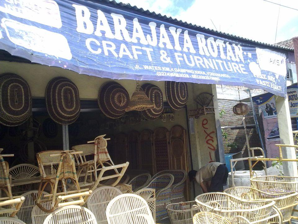 Nama Usaha: Bara Jaya Rotan Nama Pemilik: Atang Alamat: Jl.