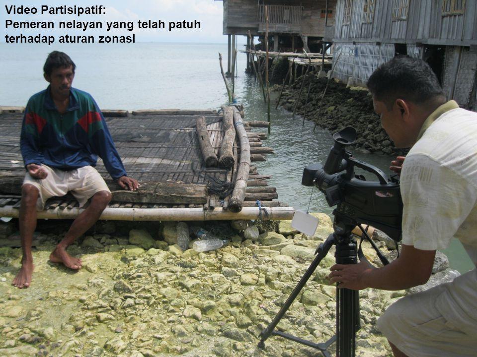 Penyebarluasan informasi zonasi : Penggunaan berbagai media yang lebih efektif dalam konteks lokal Radio komunitas Diskusi Zonasi di Desa: Zonasi untuk menjamin ketahanan pangan Video Partisipatif: Pemeran nelayan yang telah patuh terhadap aturan zonasi