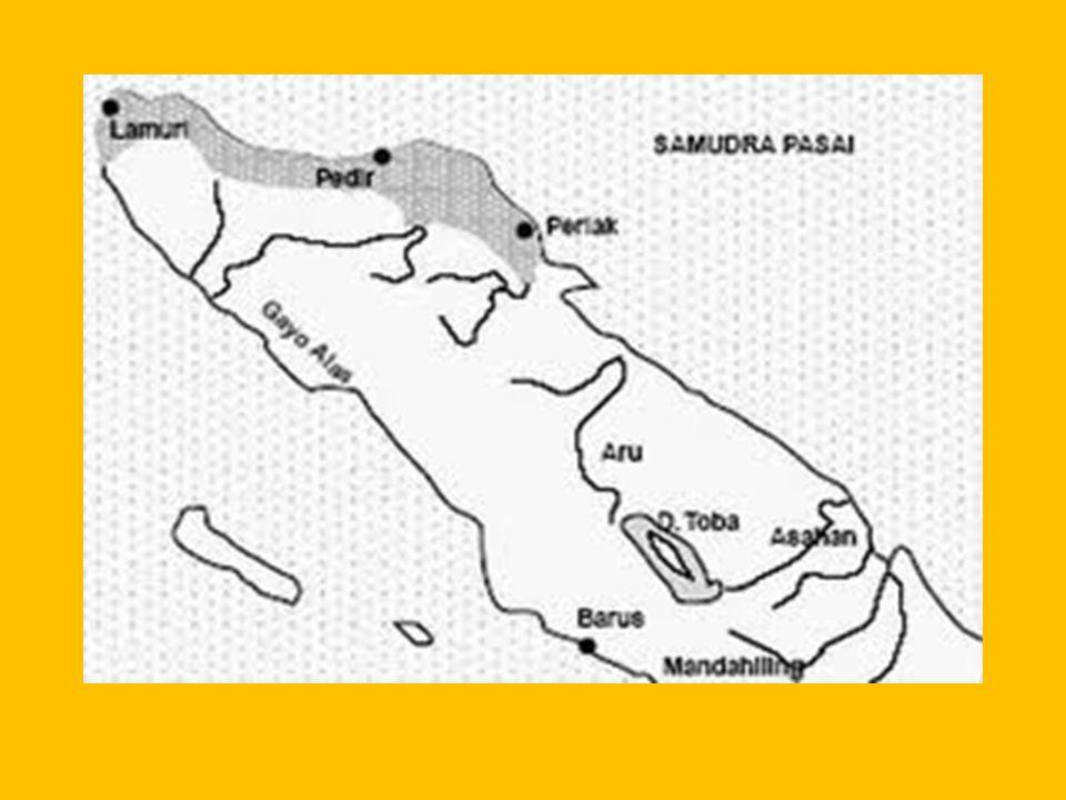 KERAJAAN MALAKA Wilayah kekuasaannya meliputi sebagian Pulau Sumatra dan Semenanjung Malaya Pusat perdagangan dan penyebaran agama Islam Pendirinya Paramaisora (Iskandar Syah)/ 1396 - 1414, Puncak kejayaannya pada masa raja Sultan Mansyur Syah (1458-1477) raja terakhir Sultan Mahmud Syah Th 1511 Malaka jatuh ketangan Portugis