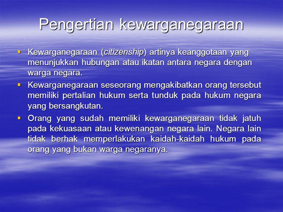  Pasal 27 (1) Segala warga negara bersamaan kedudukannya dalam hukum dan pemerintahan dan wajib menjunjung hukum dan pemerintahan itu dengan tidak ada kecualinya.