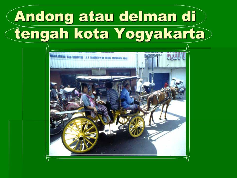 Andong atau delman di tengah kota Yogyakarta