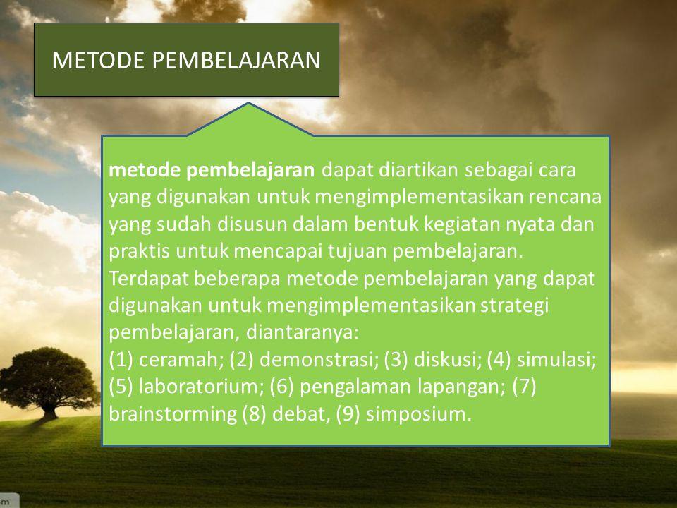 Dilihat dari strateginya, pembelajaran dapat dikelompokkan ke dalam dua bagian pula, yaitu: (1)Exposition-discovery learning dan (2)Group-individual l