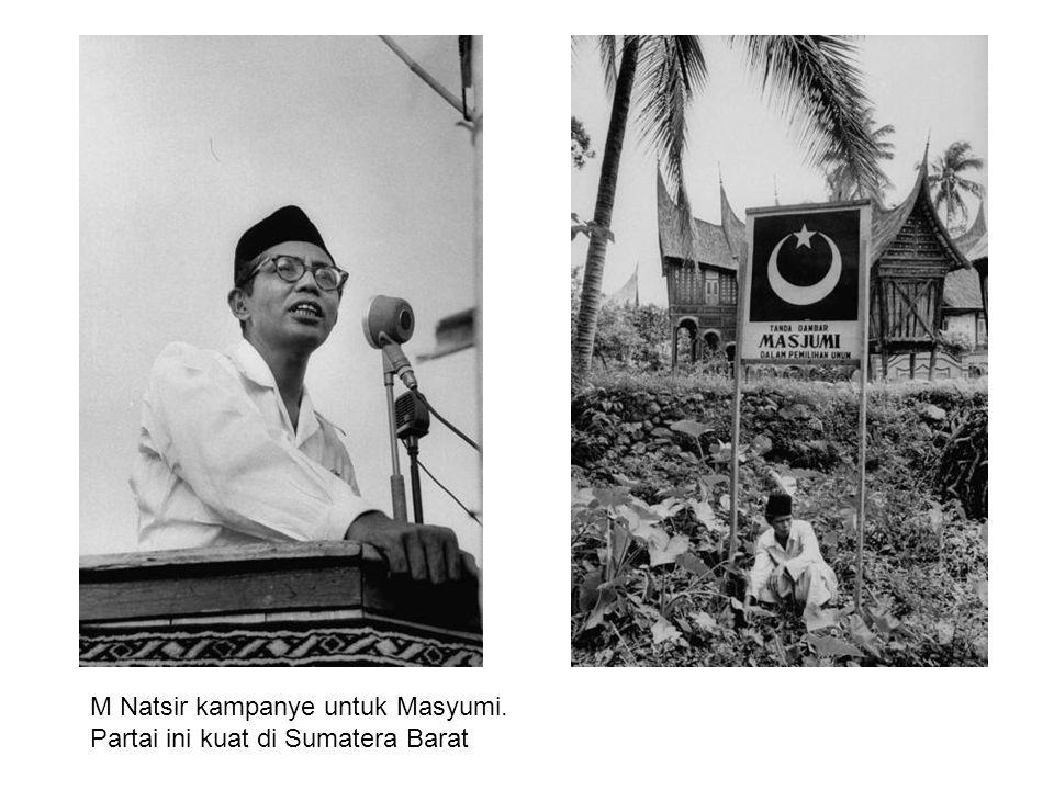 M Natsir kampanye untuk Masyumi. Partai ini kuat di Sumatera Barat
