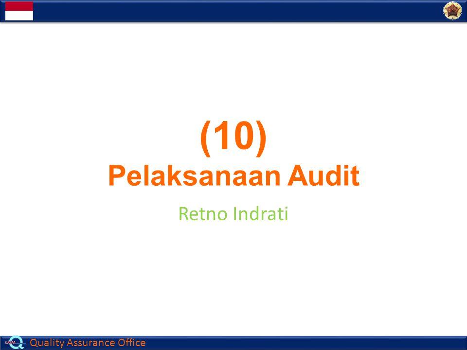 Quality Assurance Office 12 Hal-Hal yang harus diingat  Bicara pada pelaku proses  Bicara dengan bahasa auditee  Bicara dengan jelas  Jangan menyuruh diam  Perjelas pertanyaan  Ajukan pertanyaan satu persatu  Ulangi pertanyaan yang sulit TEKNIK BERTANYA