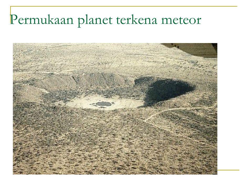 Permukaan planet terkena meteor