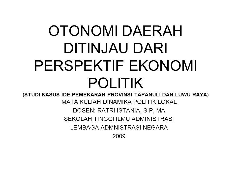BABAK BARU EKONOMI POLITIK LOKAL PASCA ORDE BARU KRISIS MONETER ASIA TAHUN 1997-INDONESIA MENGALAMI KEMACETAN TOTAL (SIDEL, 1998) JARINGAN-JARINGAN PATRIMONIAL MENGARAH KE PUSAT MERUPAKAN PANGKAL DARI KRISIS KEUANGAN DAN POLITIK PARA PENDUKUNG ORDE BARU SATU PERSATU MENINGGALKAN PATRONNYA-BERPALING MENCARI DUKUNGAN KEUANGAN DAN POLITIK BARU: –PARA TOKOH MILITER –PARA KONGLOMERAT PERANAKAN CINA
