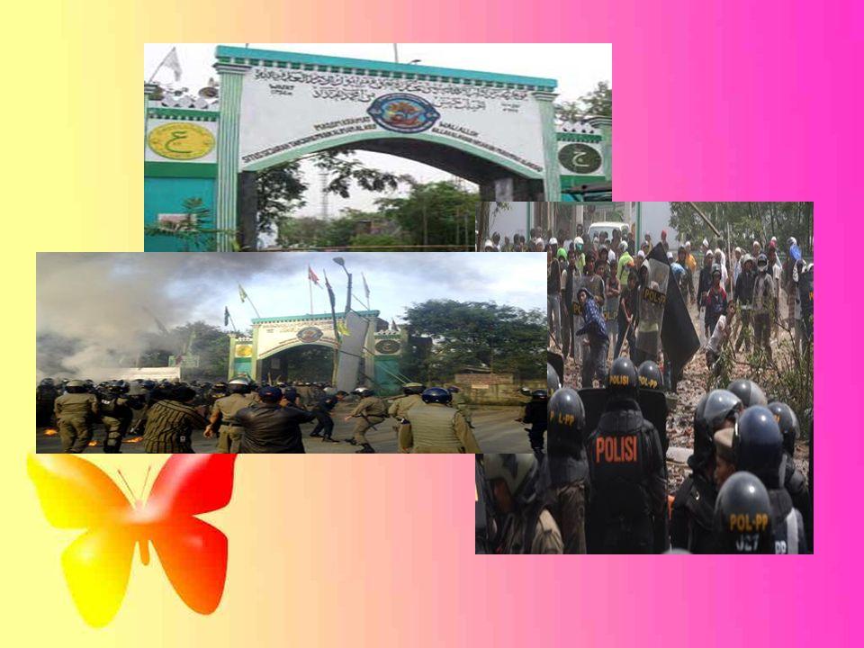 Latar Belakang Masalah Pemerintahan sentralistik di era Presiden Soeharto Masyarakat menginginkan reformasi sistem pemerintahan.
