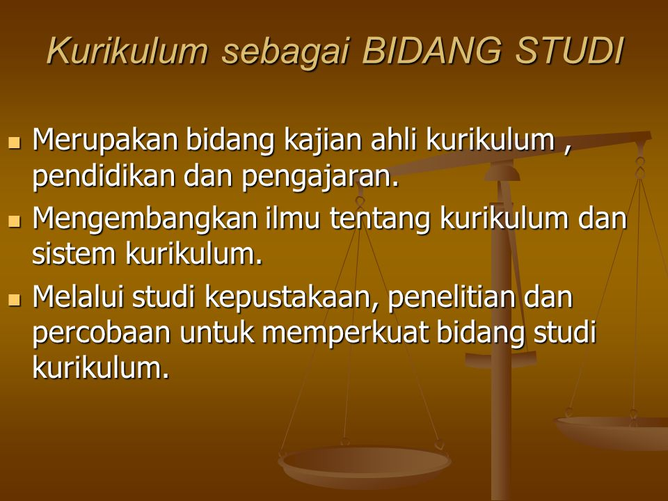 Kurikulum Sebagai Suatu SISTEM Sebagai sistem sekolah, pendidikan dan masyarakat. Sebagai sistem sekolah, pendidikan dan masyarakat. Sistem mencakup s