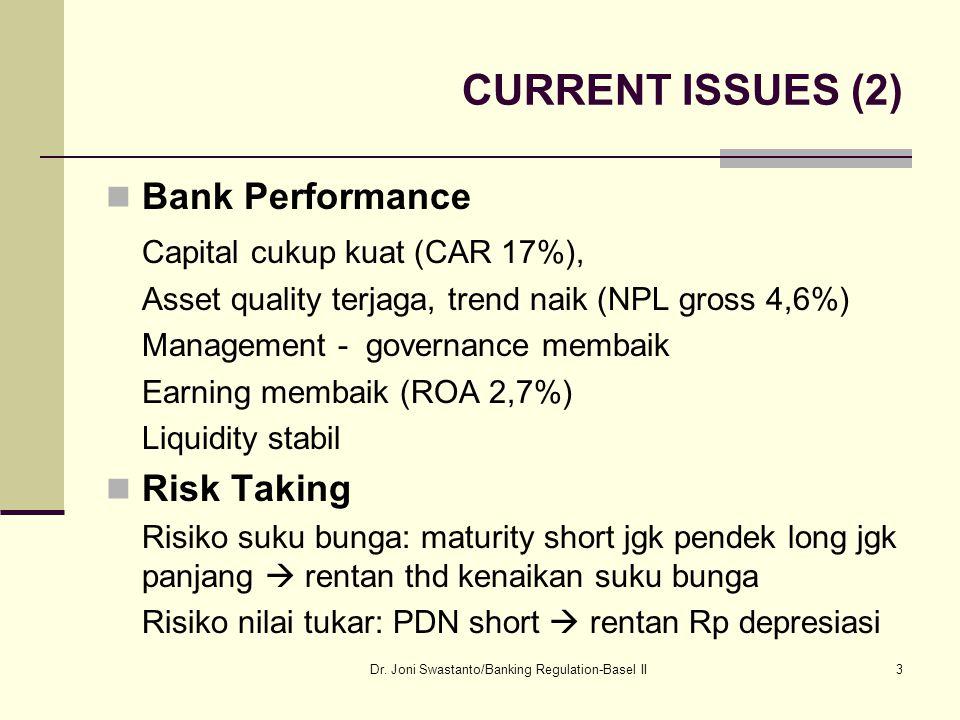 14 Perlunya Regulasi Perbankan PUBLIC INTEREST APPROACH Public interest dalam arti luas: mendorong pertumbuhan ekonomi mengurangi inflasi dan melindungi konsumen.