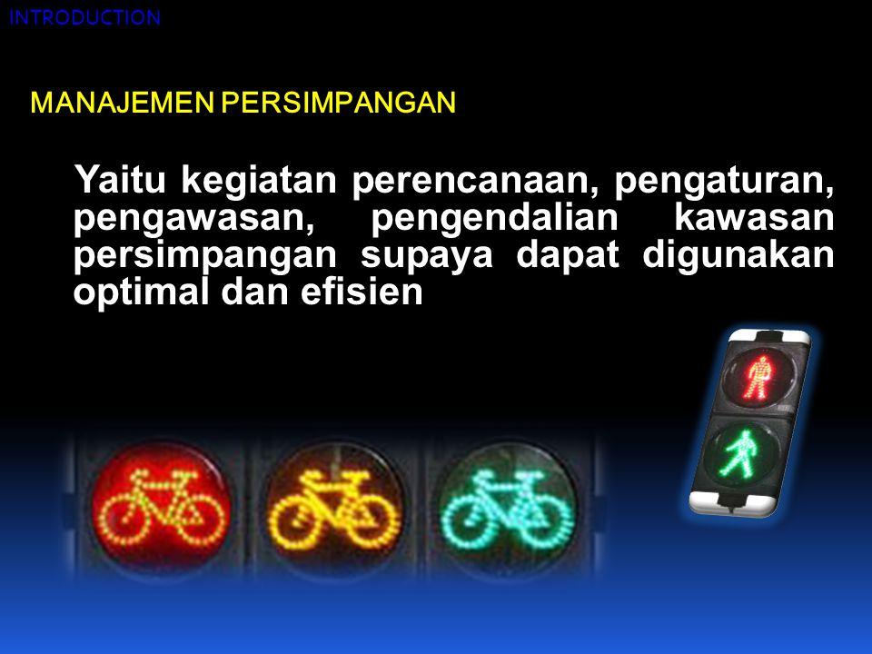 Terdapat 4 (empat) jenis dasar dari alih gerak kendaraan pada persimpangan, yaitu :  berpencar (diverging)  bergabung (merging)  berpotongan (crossing)  bersilangan (weaving) Suatu pergerakan alih gerak berpotongan lebih berbahaya dari pada bersilangan, dan secara berurutan, lebih berbahaya dari pada alih gerak yang bergabung dan berpencar.