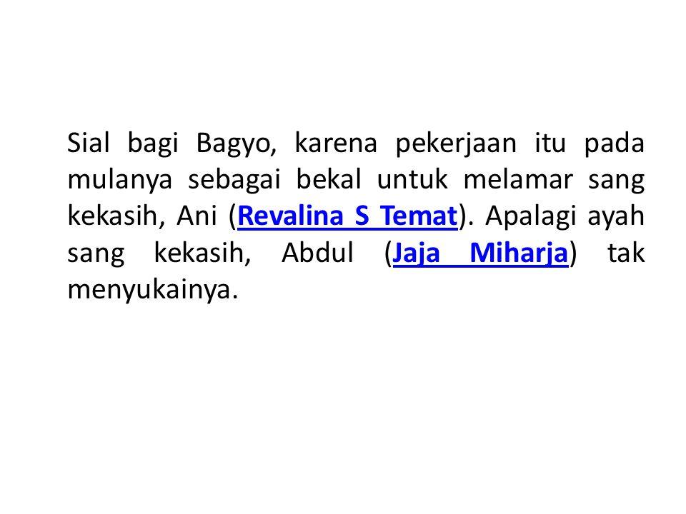 Di saat bersamaan, Bagyo mengetahui seorang artis, Atika (Wiwid Gunawan) sedang dirampok sekawanan penjahat.