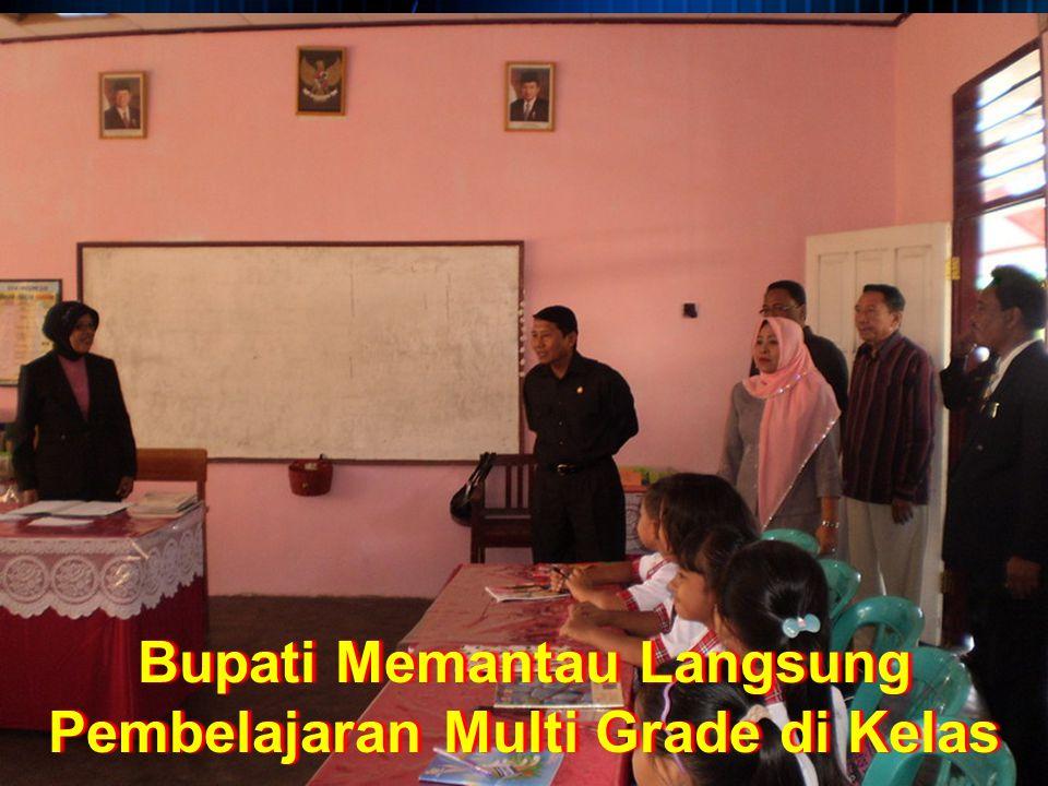 Bupati Memantau Langsung Pembelajaran Multi Grade di Kelas