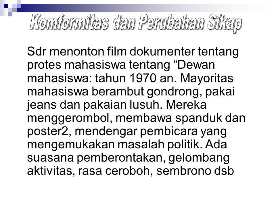 Sdr menonton film dokumenter tentang protes mahasiswa tentang Dewan mahasiswa: tahun 1970 an.