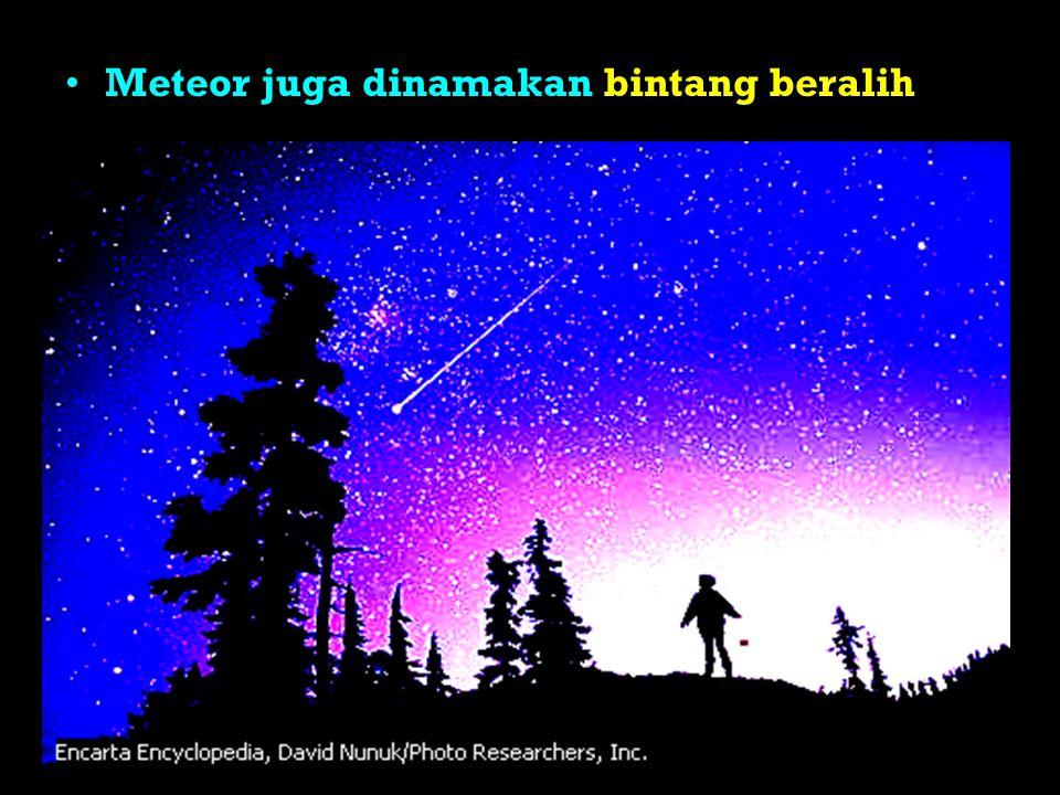Komet Benda langit yang mengorbit matahari dengan lintasan yang sangat lonjong Komet juga dikenal dengan nama Bintang berekor Ekor komet selalu menjauhi matahari Bagian dari komet Inti,Coma,Awan Hidrogen dan Ekor ts.swf