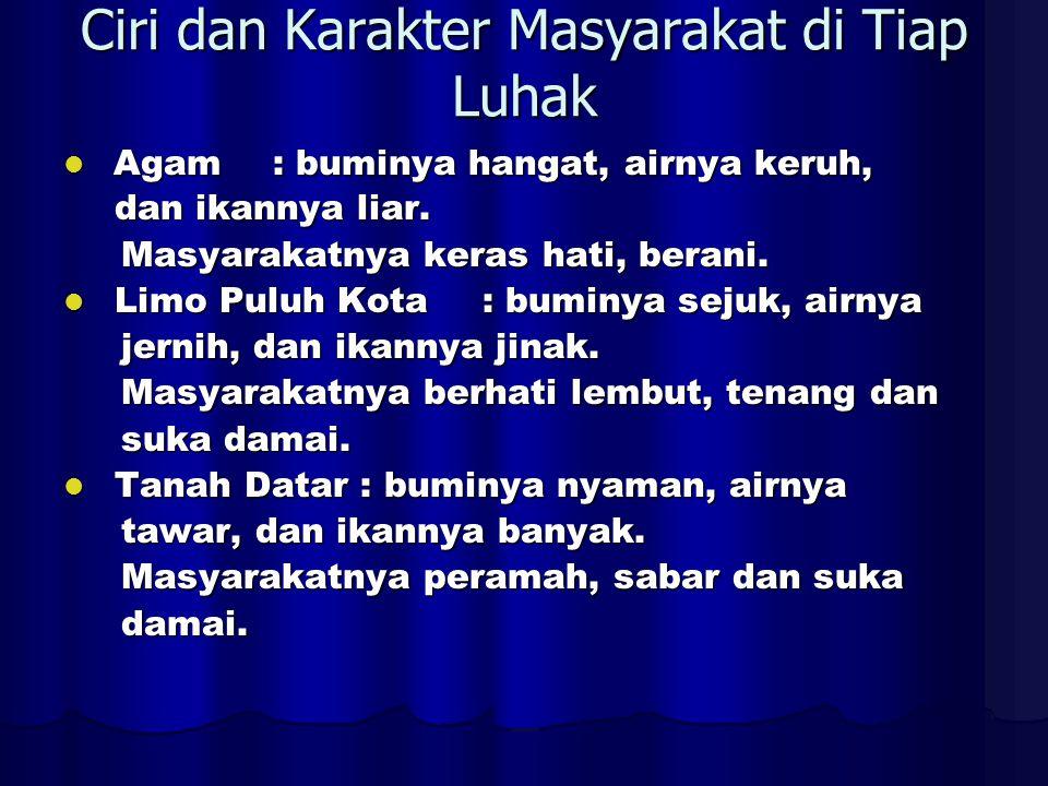 Langgam kato tidak mengindikasikan strata bahasa (bahasa bangsawan > < bahasa rakyat), melainkan hanyalah etika berbahasa.