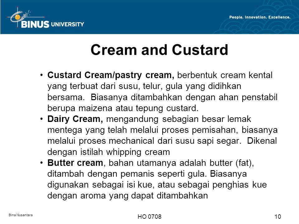 Clasification Pastry Product Sesuai dengan jenis bahan dan teksture, pastry/bakery product diklasifikasikan sebagai berikut : 1.Produk dasar pastry, menyangkut semua produk yang dibutuhkan untuk membuat suatu produk kue, krim, saus, hiasan, dan kue Sauce : Custard sauce dan chocolate sauce 2.